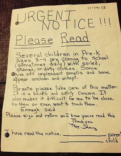 maestra manda lettere i bambini puzzano