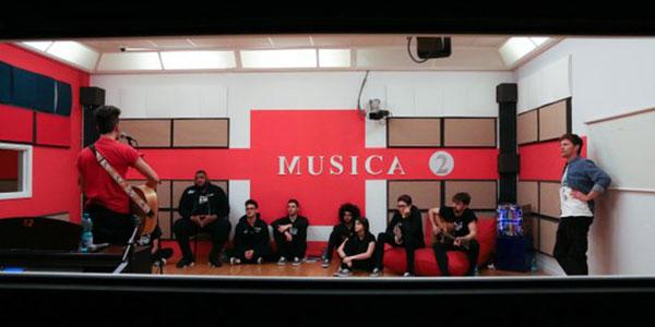marco-maccarini-a-lezione-con-i-cantanti-amici-16-febbraio