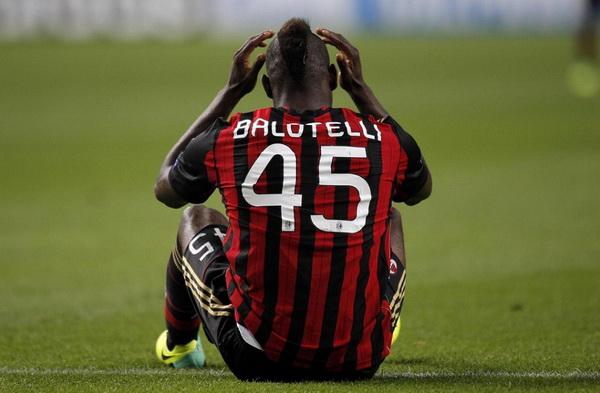 Niente squalifica per Spolli, Balotelli la prende con ironia
