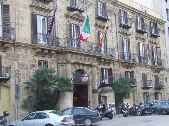 Sicilia, nasce la nuova giunta regionale | Crocetta, ridimensionato, tratta con gli alleati