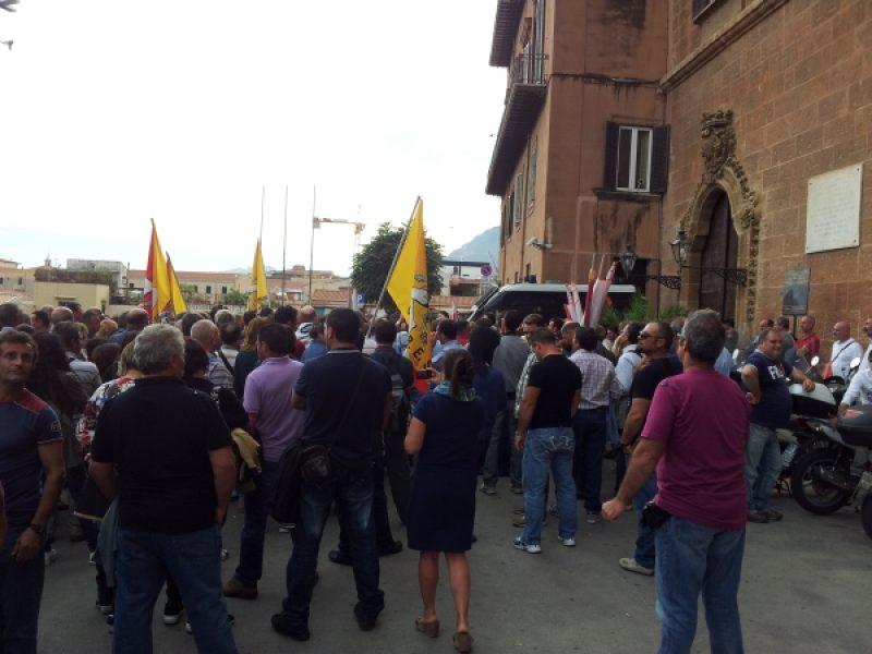 accordo regione sindacati forestali, forestsali accordo regione sindacati, lavoratori forestali, manifestazione forestali, centunusti sicilia, sicilia centucinquantunisti