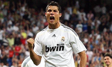 Cristiano Ronaldo vuole tornare al Manchester United, ma Zidane lo vuole fare rimanere