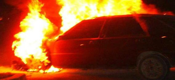 Lascari, intimidazione ai danni di un autosalone | In fiamme alcune auto della rimessa