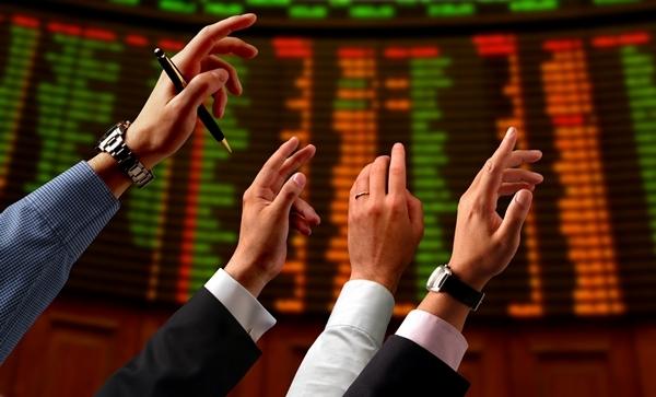 Borse, fusione tra Londra e Francoforte: c'è l'ok | Sarà il più grande mercato finanziario d'Europa