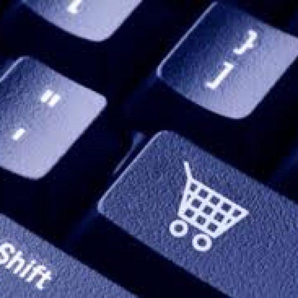 Gli italiani preferiscono comprare su internet e cresce il commercio online