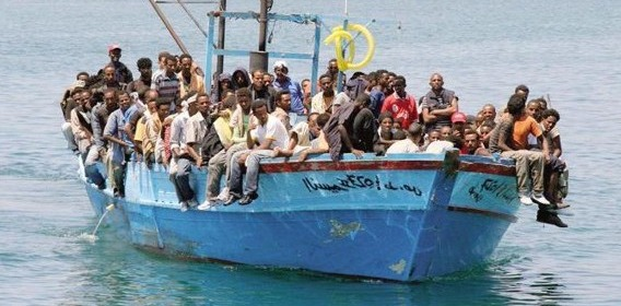 Calabria, salvati 350 migranti in alto mare | A Catania la nave norvegese con 49 morti