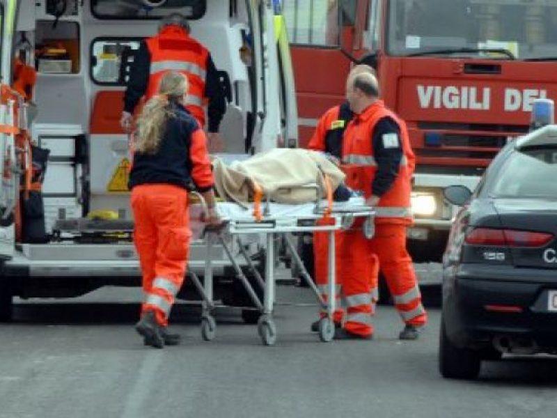macerata muore un ragazzo di 20 anni, incidente stradale a tolentino, tolentino muore un 20enne in un incidente stradale, tolentino incidente mortale