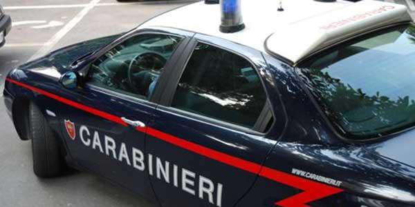 Dopo il fallimento e lo sfratto da casa tenta il suicidio | I carabinieri salvano un commerciante di 52 anni