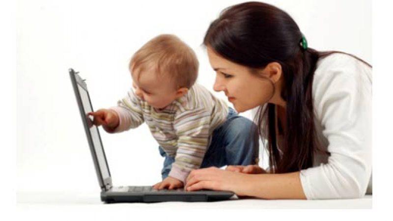 Le mamme sempre più sul web