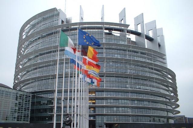 Datagate, l'Ue inizia un braccio di ferro|Chiesta la sospensione dell'accordo con Usa