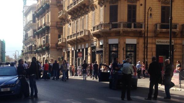 La polizia e la penitenziaria contro la legge di stabilità | Sit-in davanti alla prefettura di Palermo