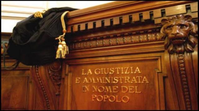 Aosta, ai domiciliari il procuratore aggiunto |Induzione indebita a dare o promettere utilità