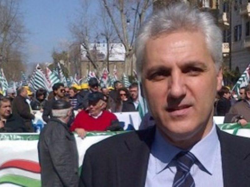 maurizio bernava contro governo crocetta e politica, sicilia al tracollo 2013, bernava, cisl,