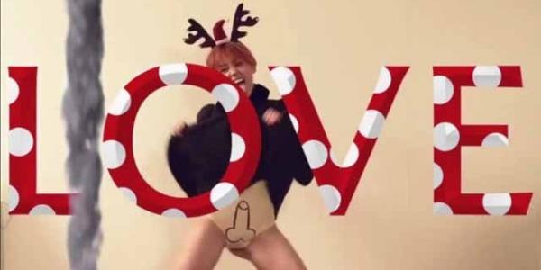 Miley Cyrus, sempre più regina del trash | indossa delle mutande con sopra un pene