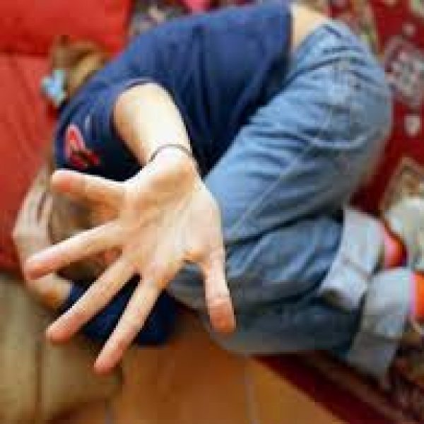 Germania, tredicenne segregata dai genitori