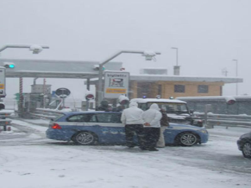 autostrade bloccate neve maltempo autostrade chiuse