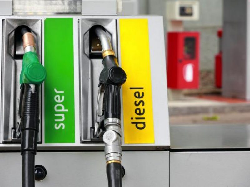benzina in aumento, benzina e diesel in aumento, aumenta il prezzo della benzina e del diesel, prezzo benzina e diesel in aumento