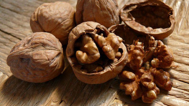La frutta a guscio non fa ingrassare| e riduce il rischio di cancro al pancreas