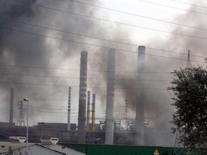 allarme inquinamento italia, allarme morti inquinamento, inquinamento, inquinamento Gela, inquinamento Ilva Taranto, inquinamento Taranto