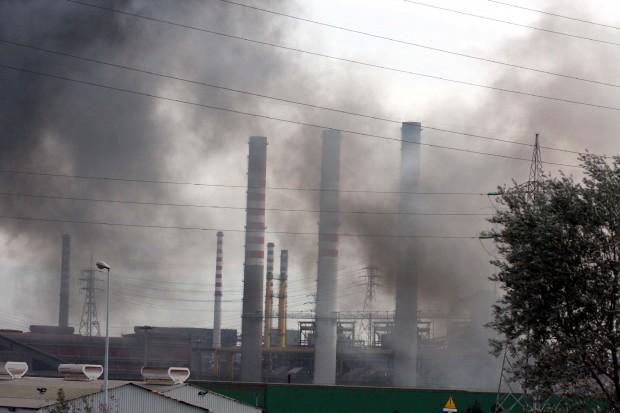 Allarme inquinamento da Gela a Taranto, 12mila morti in 8 anni