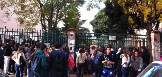 Scuola la protesta dilaga in sicilia intanto le for Liceo umberto palermo