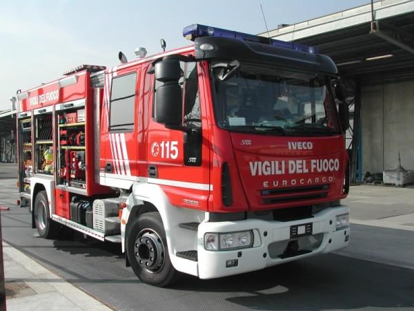 Incendio in una casa del Nisseno | Un anziano rimane intossicato dal fumo