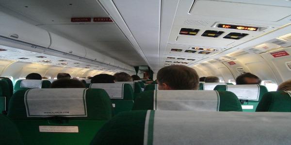 Alitalia nella notte arriva il via libera di Poste | ad un investimento da 75 milioni di euro