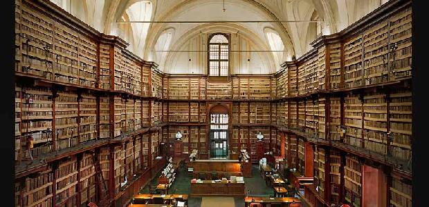 """Degrado alla biblioteca centrale della Regione Siciliana   Interrogazioni del M5S: """"Intervenire urgentemente"""""""