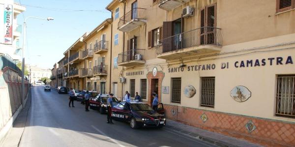 Il sindaco di Santo Stefano di Camastra offre | ospitalità ad un condannato a morte negli Usa