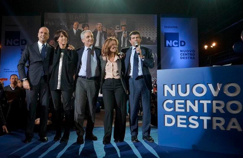 Ncd, in 10 mila alla convention di Alfano | tra un'apertura a Renzi e il no ai voti dei mafiosi