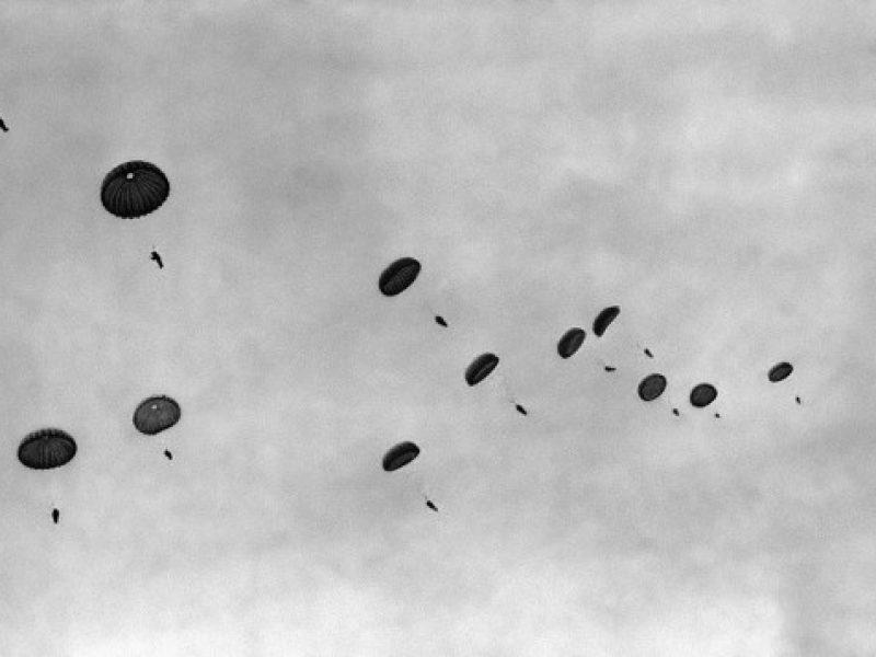 lanci col paracadute