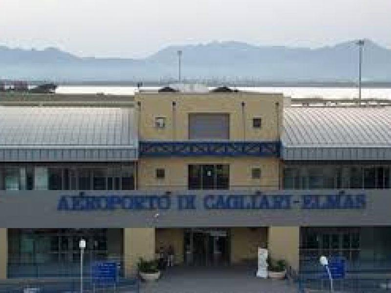 Aeroporto Cagliari : Migranti occupano in massa la pista dell aeroporto di