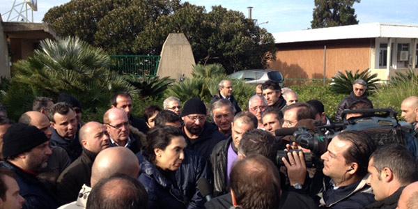 Il presidente Crocetta e le mancate promesse /FOTO   Fissa un incontro con i dipendenti AnsaldoBreda e non si presenta