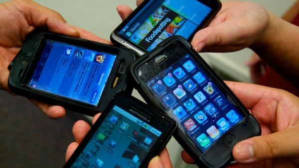 Palermo, finisce l'incubo per i possessori di smartphone | Arrestata la banda di giovanissimi che rubava gli iPhone