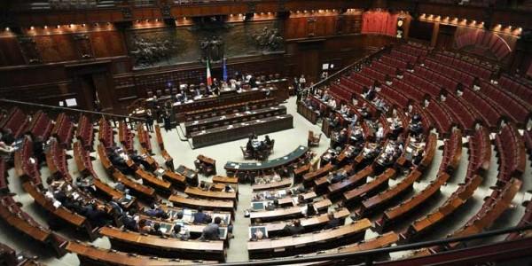 Legittima difesa proposta di legge rinviata il testo for Camera deputati telefono
