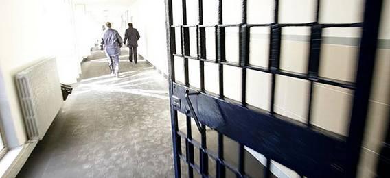 Bologna, incontrano il Papa e non tornano in cella | Evasione show per due detenuti di Castelfranco