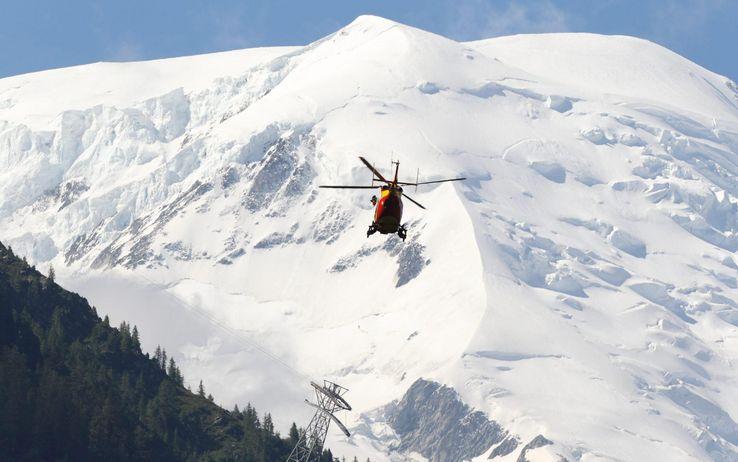 Claviere, 15enne muore travolto da una valanga | Stava sciando fuori pista in Alta Val di Susa
