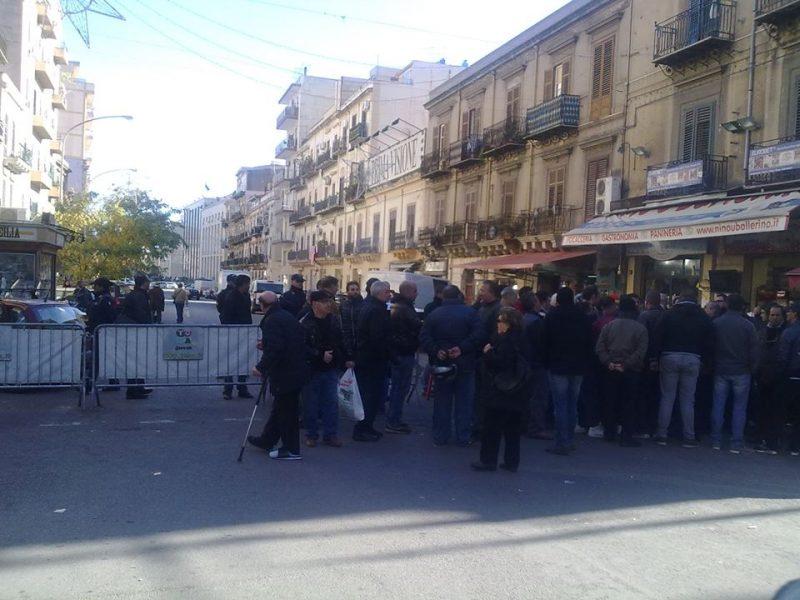 corso finocchiaro aprile palermo la protesta dei commercianti contro polizia e vigili urbani