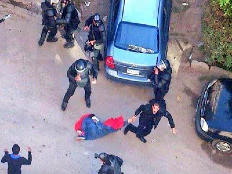 Mosa'ab Elshamy foto twitter, egitto donna pestata scontri, scontri al cairo, fratelli musulmani scontri egitto, 4 morti