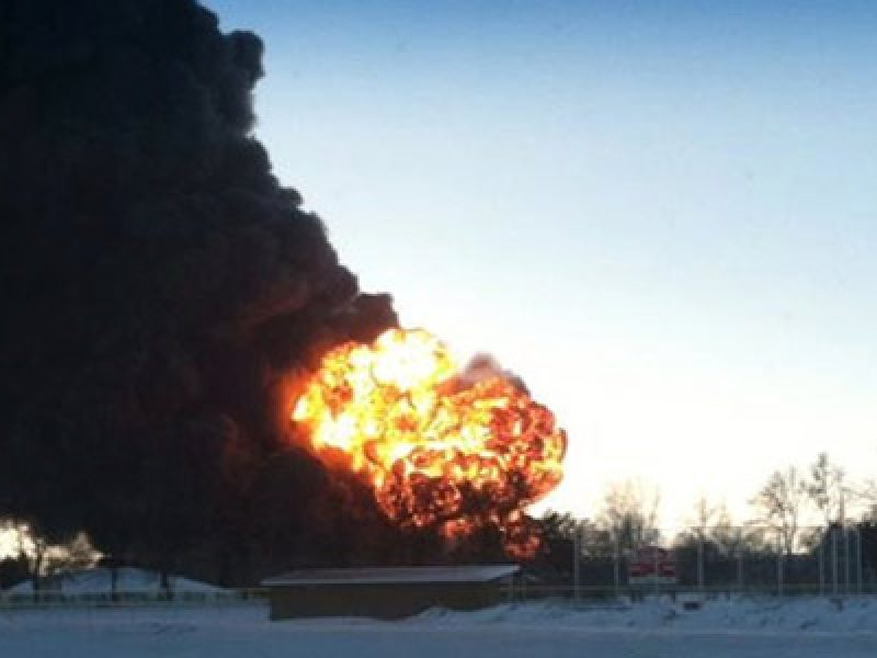 esplode-treno-greggio-dakota