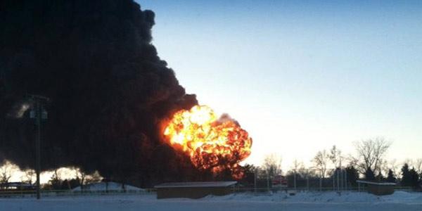 Nord Dakota, deraglia un treno che trasportava petrolio | Evacuata un'intera cittadina/VIDEO
