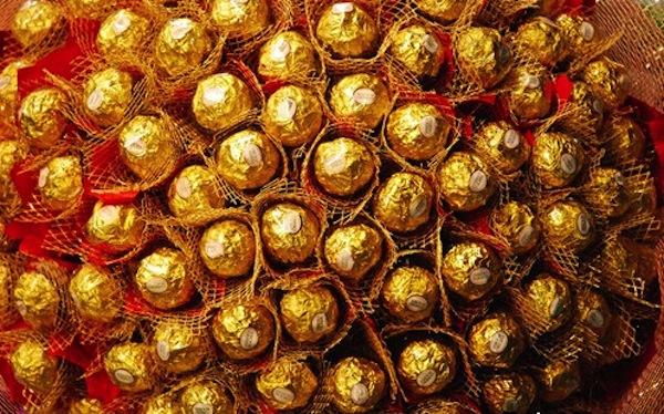 Dolce bottino per dei ladri di cioccolato: derubato un fattorino Ferrero