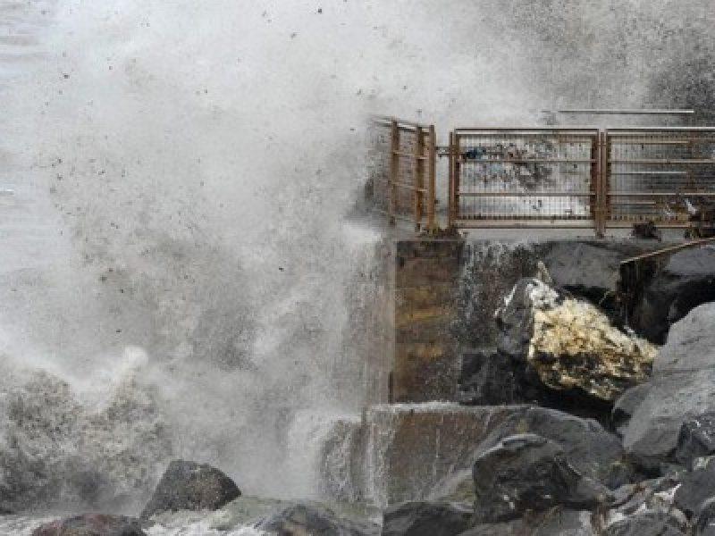 Maltempo Genova, Fereggiano Genova, evacuate case federiamo genova, esondazione Fereggiano, Crollo fondamenta immobili sul fereggiano, erosione Fondamenta case Fereggiano