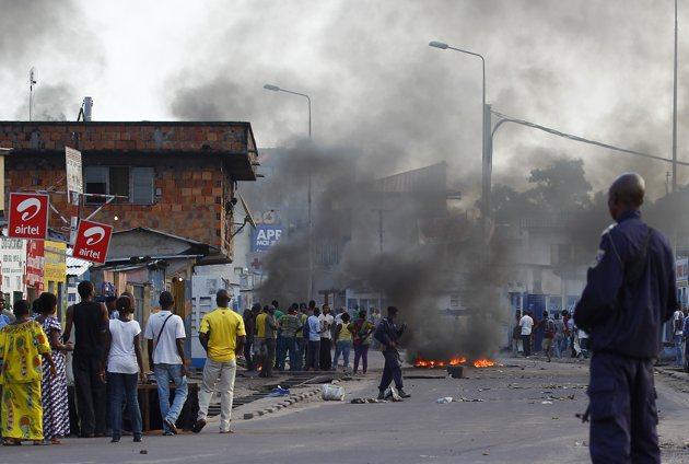 Paura in Congo, quaranta ribelli uccisi negli scontri | Si teme per i genitori bloccati con i bimbi adottati