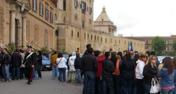Caos sugli stipendi dei regionali: Crocetta incontrerà Letta | I sindacati proclamano uno sciopero per il 4 febbraio