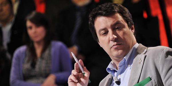 """Salvini è il nuovo segretario della Lega   """"L'euro è un crimine contro l'umanità"""""""