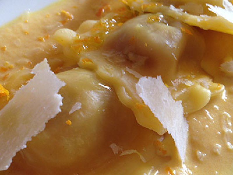 menu-di-natale-primo-piatto-ravioli-con-crema-di-zucca