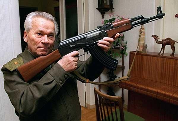 È morto Mikhail Kalashnikov, l'inventore dell'AK-47