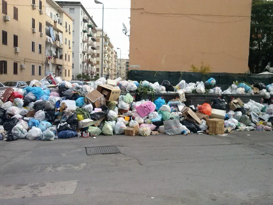 Palermo, torna l'incubo dell'emergenza rifiuti | Fallito l'incontro tra sindacati e vertici della Rap