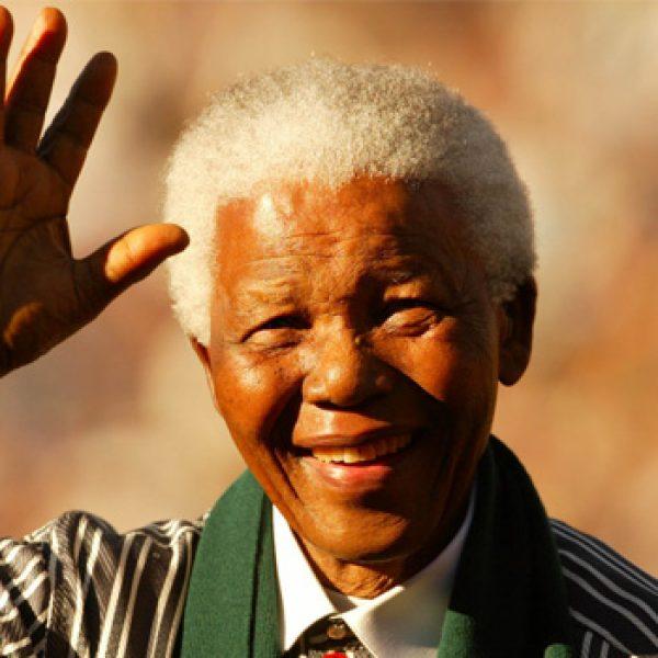 L'ultimo saluto a Nelson Mandela   Ai funerali fischiato il presidente Zuma